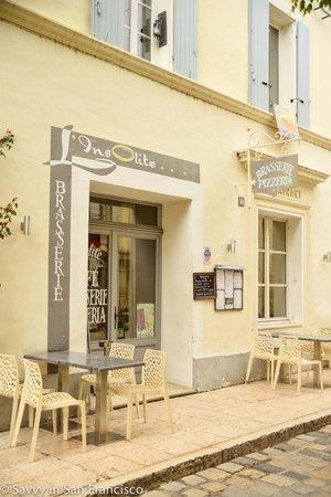 Brasserie L'insolite : L'Insolite exterior - in the heart of Lourmarin