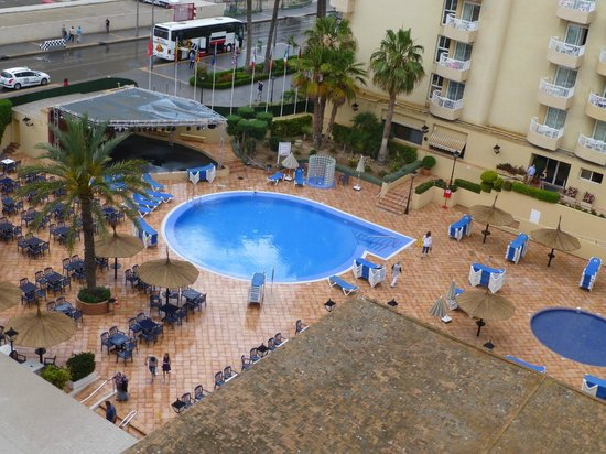 Sol Pelicanos Ocas : view from Ocas poolside balcony (827)