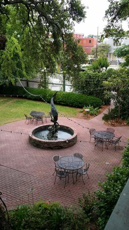 Florida House Inn: Courtyard