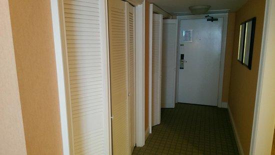 Fairmont Southampton: Hallway