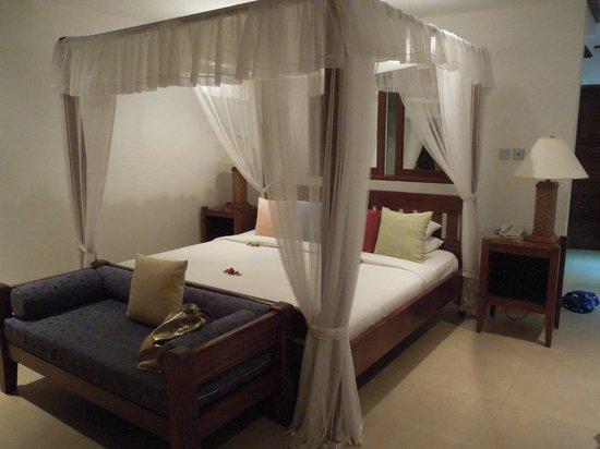 Le Domaine de La Reserve : bedroom