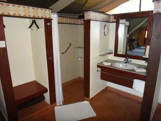 Sweetwaters Serena Camp: Bathroom - Shower Area