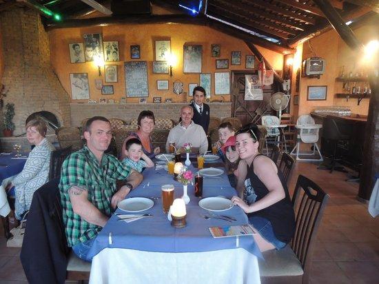Domino's Restaurant: nice atmosphere