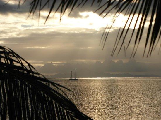 Opoa Beach Hotel : coucher de soleil