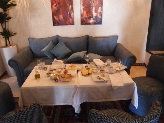Lina Ryad & Spa: Breakfast in lobby