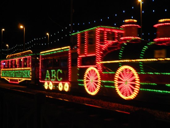 Blackpool Illuminations: liteup  tram