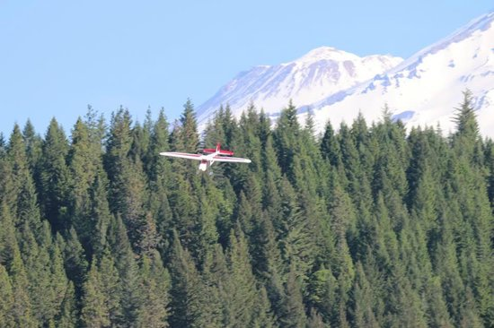 Fridays RV Retreat & McCloud Fly Fishing Ranch: Landing Large RC plane----Mount Shasta Background