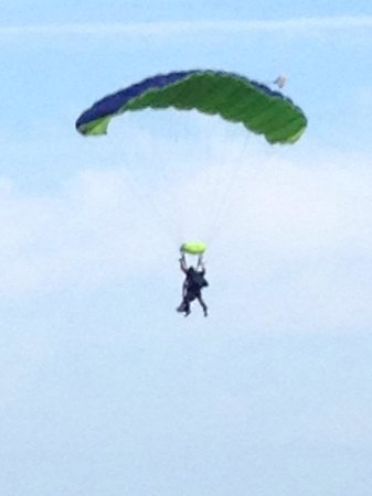 Peterlee Parachute Centre : Helen Ridley and Mark Willcox