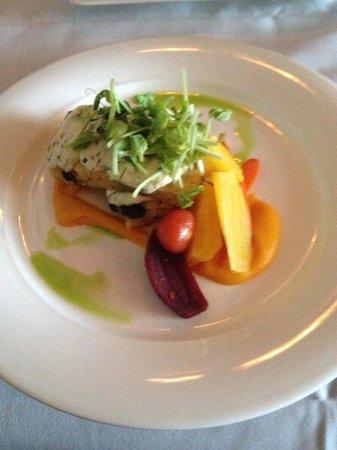 Oak Bay Beach Hotel : gorgeous fresh dinners downstairs
