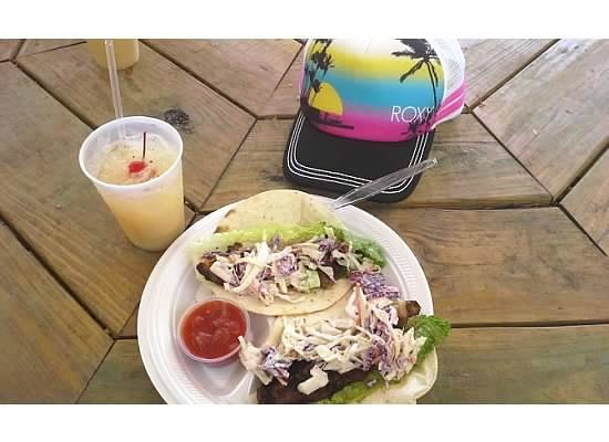 Heidi's Honeymoon Grill: Fish Tacos and Pain Killer