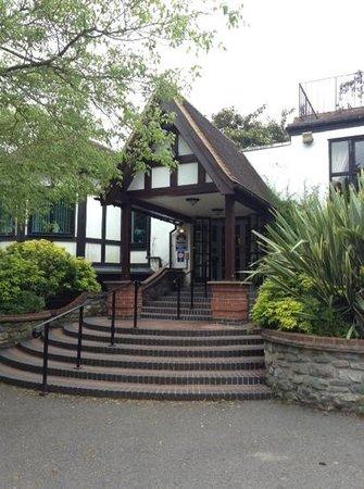 BEST WESTERN Webbington Hotel and Spa: webbington front entrance