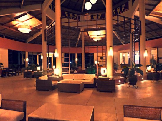 Memories Flamenco Beach Resort : Le lobby