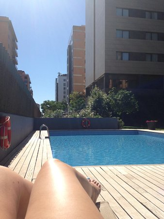 Tryp Valencia Oceanic Hotel: AM Pool!