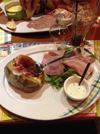 La Pataterie Saint Pierre du Mont : Patate savoyarde simple