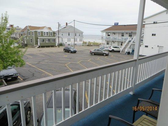 Normandie Oceanfront Motor Inn: Landside Kitchenette #13