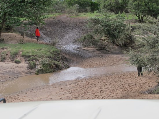 Elangata Olerai Luxury Tented Camp: River impossible to cross on a rainy day