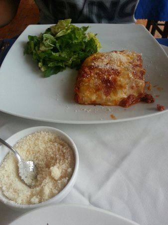 Degli Amici: Lasagna with salad on the side