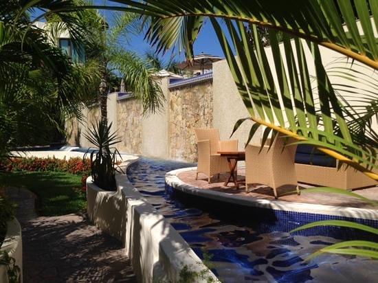 Porto Playa Condo Hotel & Beachclub: entrance of hotel area