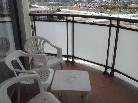 Hotel Puente Real: Terraza de la habitación