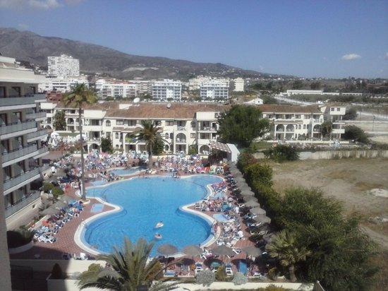 Hotel Puente Real: Piscina