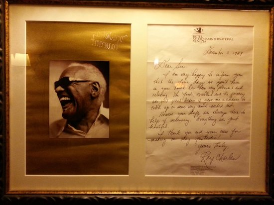 Hotel Saturnia & International : Ray Charles hospedou-se aqui em 1989