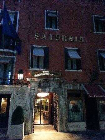 Hotel Saturnia & International : Fachada