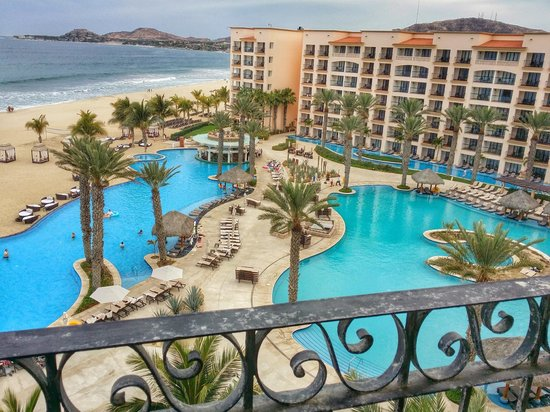 Hyatt Ziva Los Cabos : View from building 2 top floor over the pools and the beach