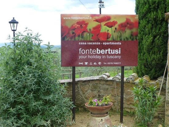 Fonte Bertusi : sign as you enter the property