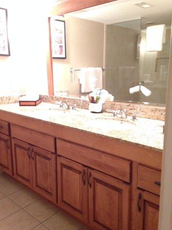 The Residences at Biltmore: Very spacious bathroom with double vanity and huge shower