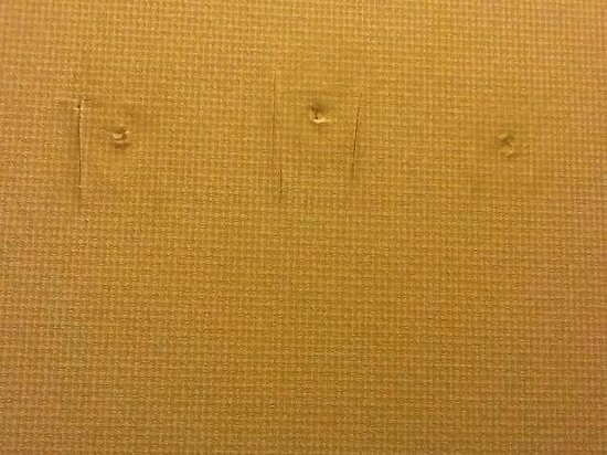 Sheraton Portland Airport Hotel : Who took what down and why leave it like this?