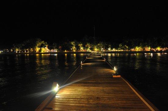 VOI Maayafushi Resort: Maayafushi bei Nacht
