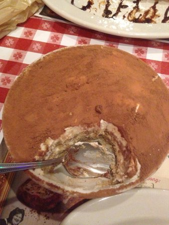 Buca di Beppo: Tiramisu, is HUGE!!!