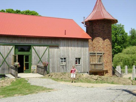 Lago Winery: Main Tasting Building