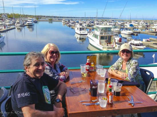 Reefpoint Brew House: Beautiful setting overlooking Reefpoint Marina