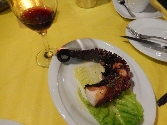 Skaros Fish Restaurant : Grilled Octopus Skaros
