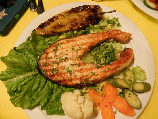 Skaros Fish Restaurant: Salmon Skaros