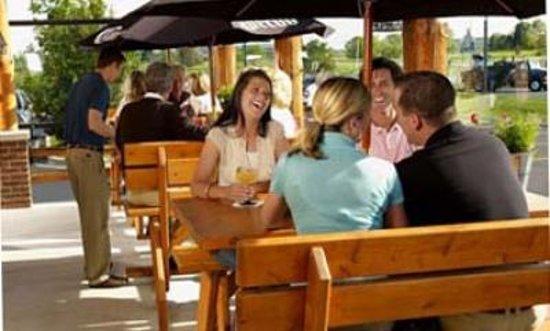 Mackinaw's Grill & Spirits : Patio Fun!