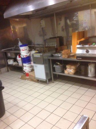 Ken's Kebabs: Food area