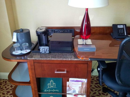 Denver Airport Marriott at Gateway Park: room (opps, Bose not included)