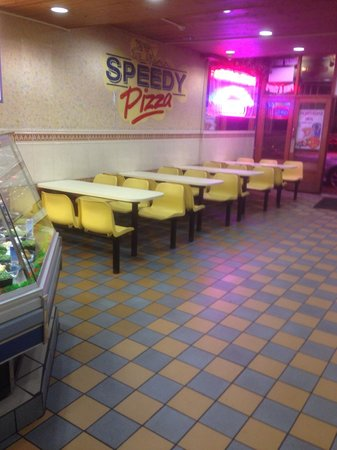 Ken's Kebabs: Seat down area