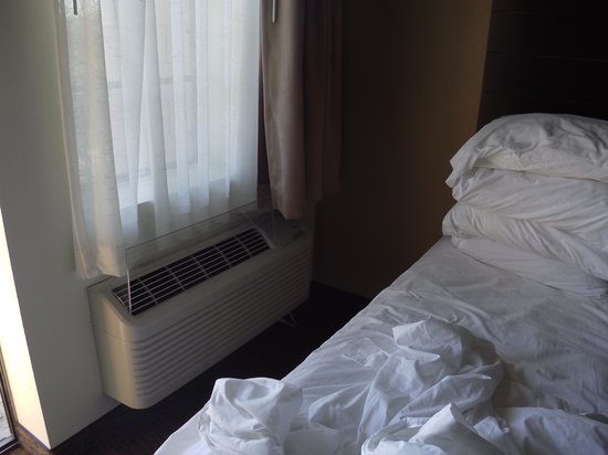 Days Inn & Suites Page Lake Powell: la clim trop près du lit
