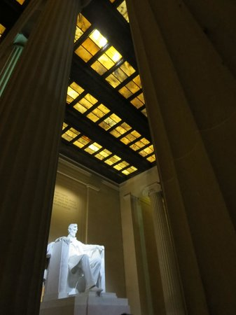 Old Town Trolley Tours of Washington DC : trolley tour at night