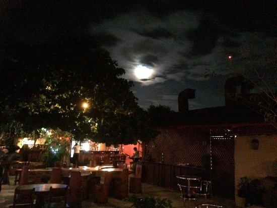EL MESON LIBERIANO: La mejor luna