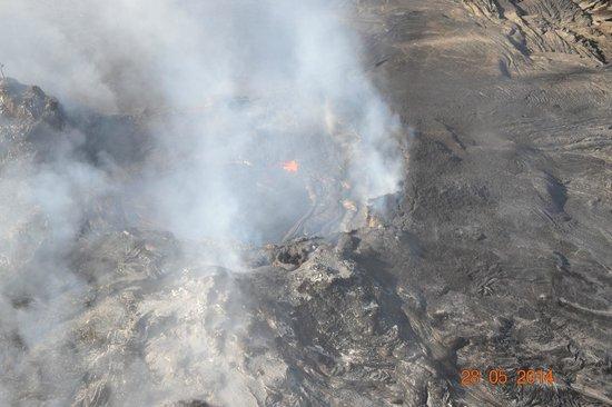 Blue Hawaiian Helicopters - Waikoloa: lava site