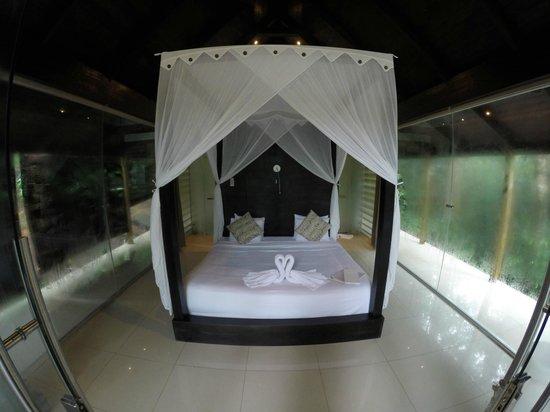 Oxygen Jungle Villas: Room