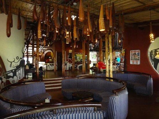 Amboseli Serena Safari Lodge: Lobby