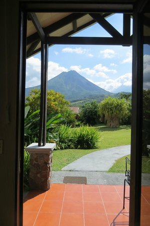 Arenal Springs Resort and Spa: The view from the door of our 'cabin'