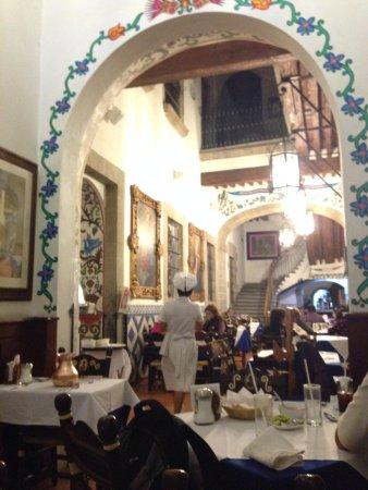 Cafe de Tacuba : The restaurant