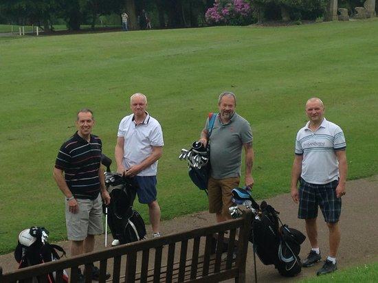 Selsdon Park Hotel & Golf Club : Just teeing off