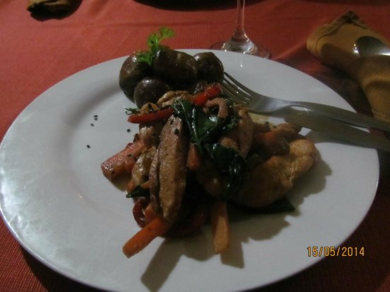 Hotel Kunturwassi Colca: Fajitas de pollo